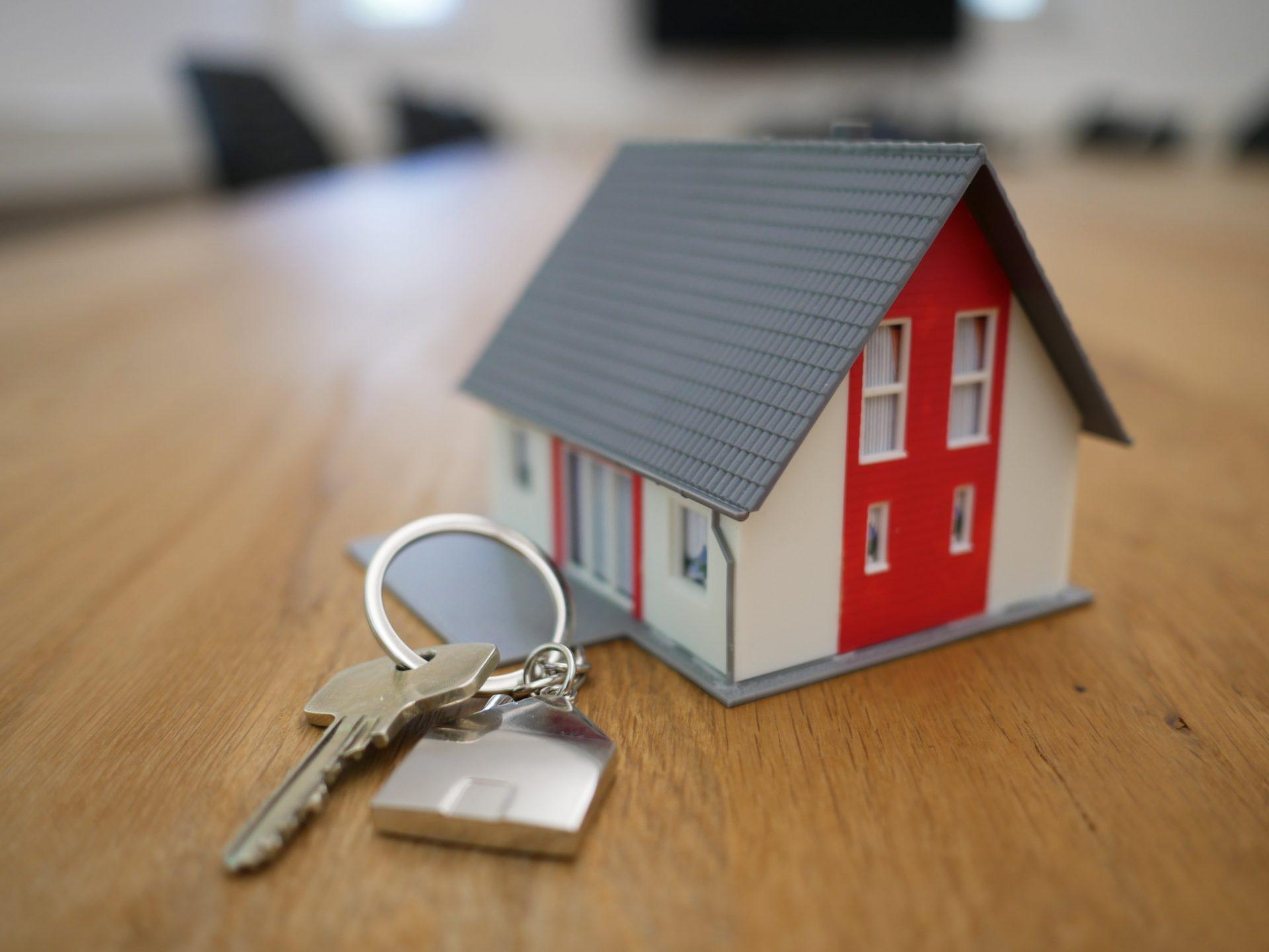 Casa y llaves
